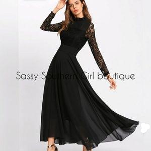 🆕⭐Plus size black lace maxi dress